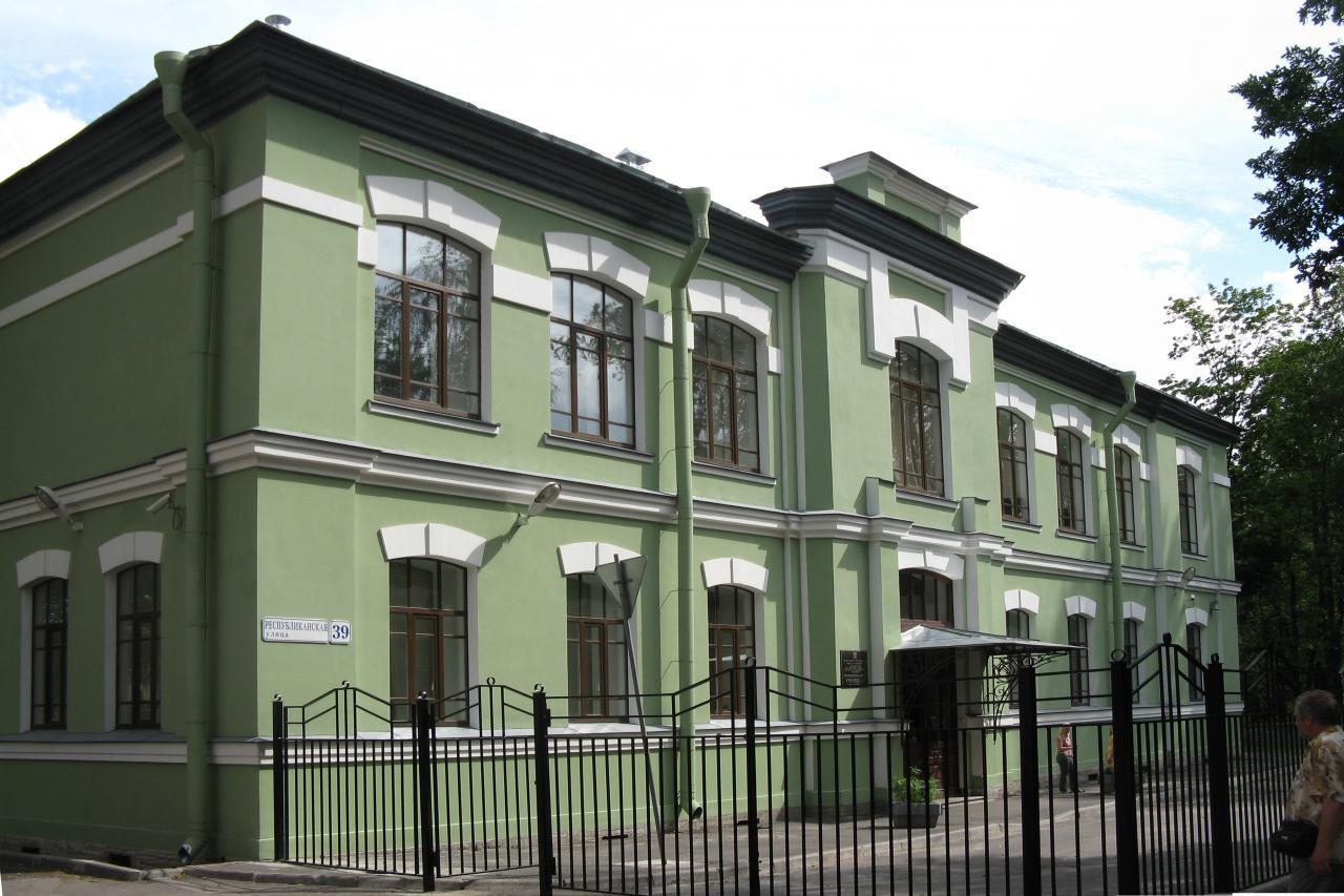 Охтенское (Охтинское) низшее механико-техническое училище